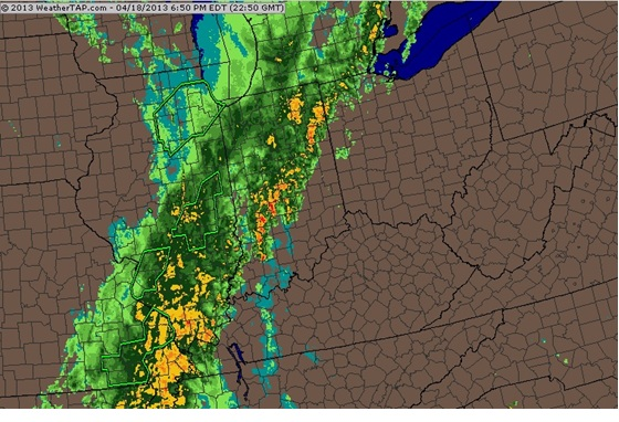 Regional radar image from 6:50pm EDT on April 18 over the Midwest/Ohio Valley region.