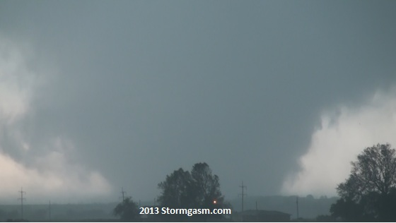 Violent wedge tornado near Dale, Oklahoma on May 19, 2013.