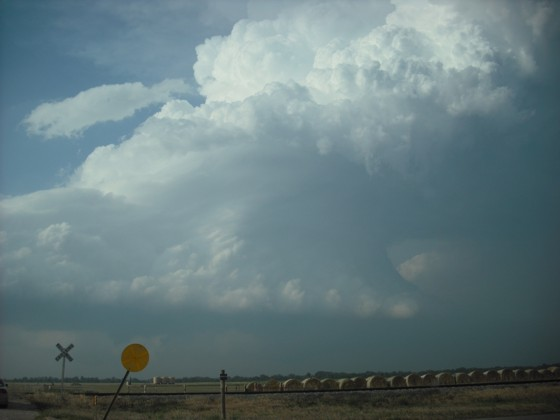 Looking north at a supercell east of Watonga, OK