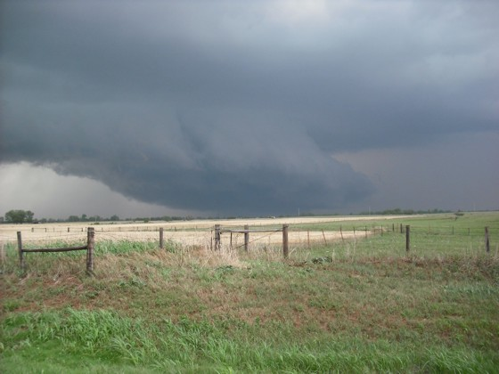 Wall cloud and shelf cloud west of Kingfisher, OK