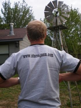 Jesse Duncan models back of shirt.